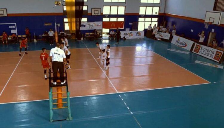 Liniers, con Juan Piedrabuena, hizo su debut en la Liga Nacional masculina de vóleibol