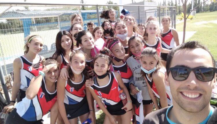 """Hockey: Después de más de un año, las """"Yaras"""" del Club A. Ventana volvieron a la cancha"""