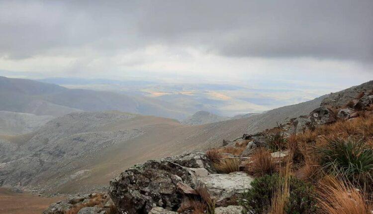 4 y 5 de septiembre: Programan un ascenso al Cerro Tres Picos