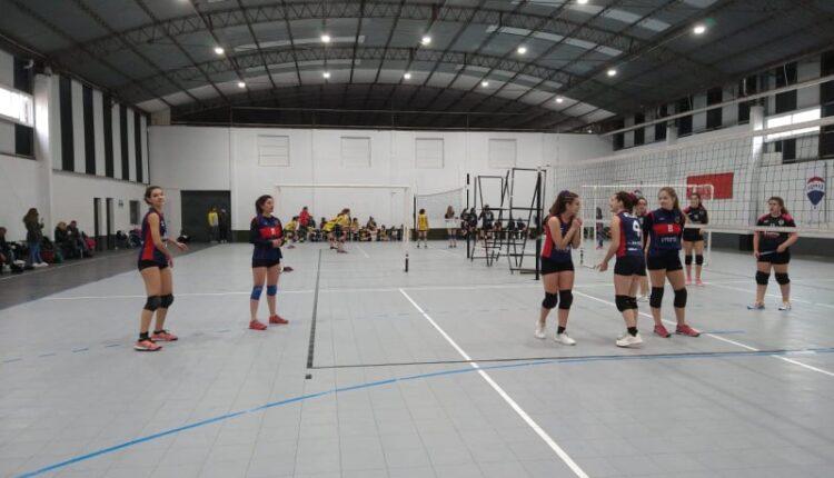 Luego de varios meses: Las chicas de Automoto Vóley disputaron amistosos en Bahía Blanca