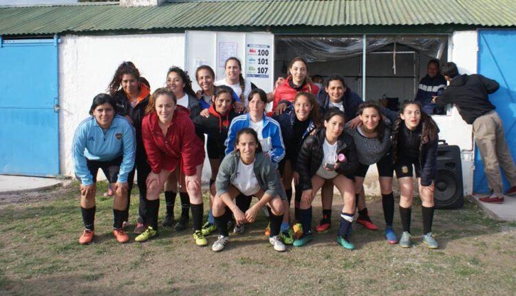Bono contribución organizado por el fútbol femenino de Deportivo Fénix