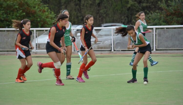 Hockey: Las Lobas debutaron con tres triunfos