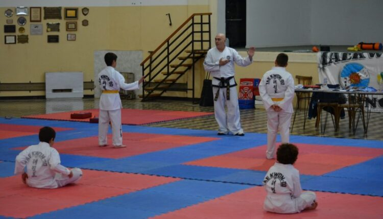 Sábado a pura actividad para la Escuela de Taekwon-Do Apat Tornquist (84 fotos, nota a Ricardo Rieiro y video)