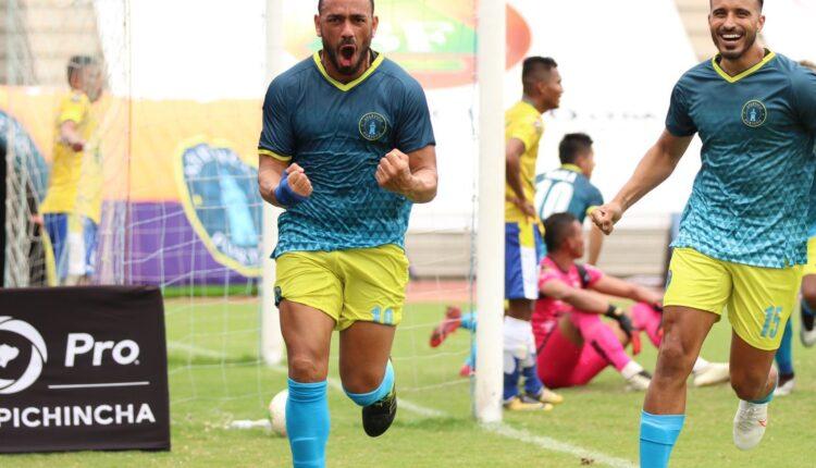Fútbol de Ecuador: El equipo de Vila es único líder
