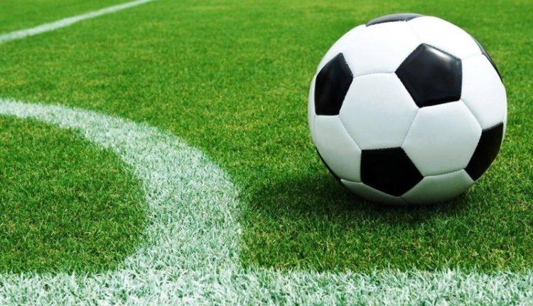 Fútbol mixto en la cancha de Sociedad de Fomento de Villa Ventana