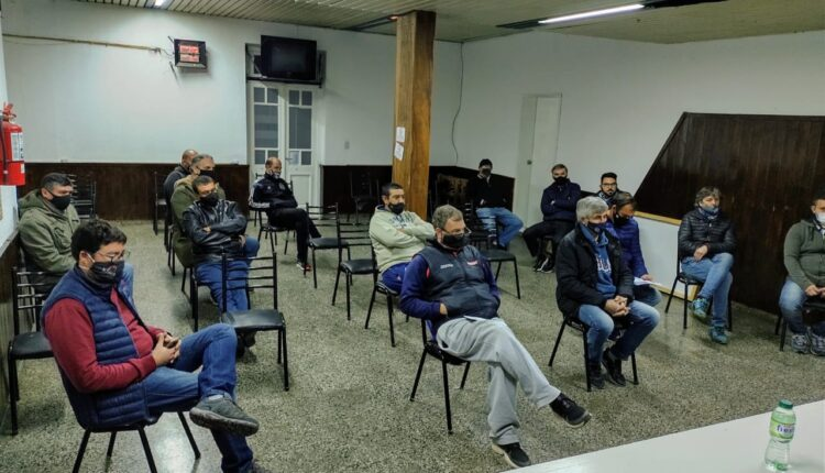 Liga Regional de Fútbol: se para toda la competencia hasta el 21 de mayo
